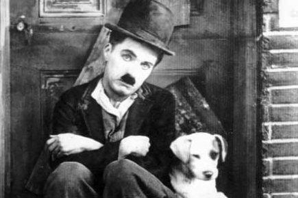 """""""Un giorno senza un sorriso è un giorno perso"""". Charlie Chaplin"""