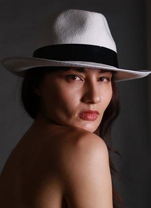 Vergine giurata_cappello 300