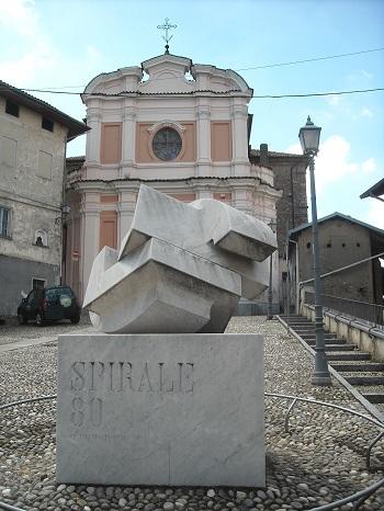 Chiesa di San Maurizio e opera di Pomodoro_350