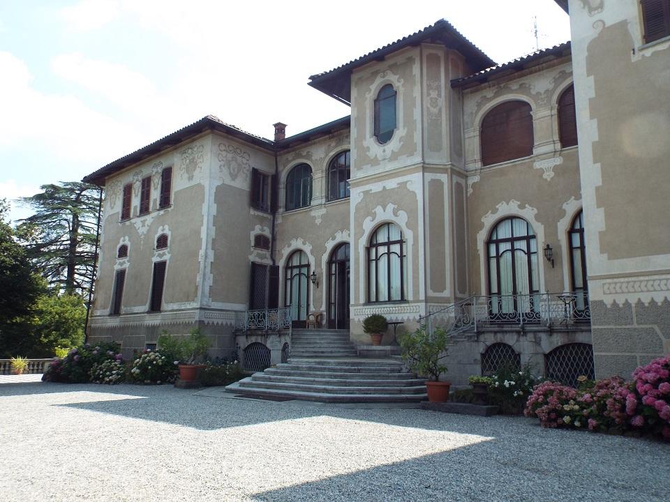 20 ottobre 2018_Castello di Mercenasco_facciata scala